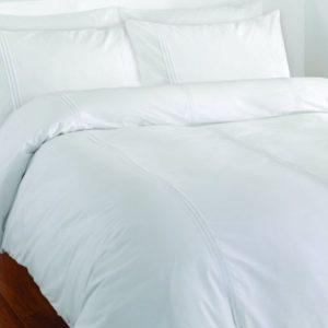 Catherine Lansfield Minimalist - Funda nórdica y 2 fundas de almohada (230x220cm y 50x75cm), color blanco