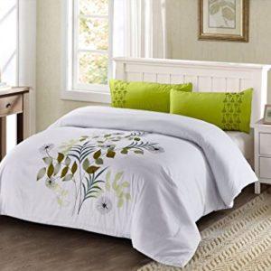 Funda Nordica bordada verde con fondo blanco 498 cama de 105 (180X240cm)+ 1 FUNDA DE ALMOHADA (45X120cm) Cierre con cremallera. Tejido microfibra Disponible para cama de 90, 105, 135, 150 y 180.