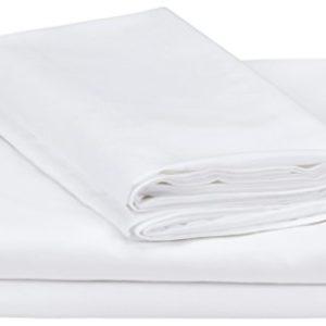 AmazonBasics - Juego de fundas de edredón y de almohada de microfibra, 260 x 240 cm + 2 fundas 65 x 65 cm - Blanco